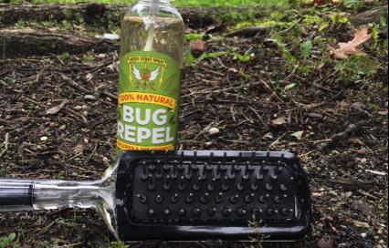 bug-spray-dog-brush-2